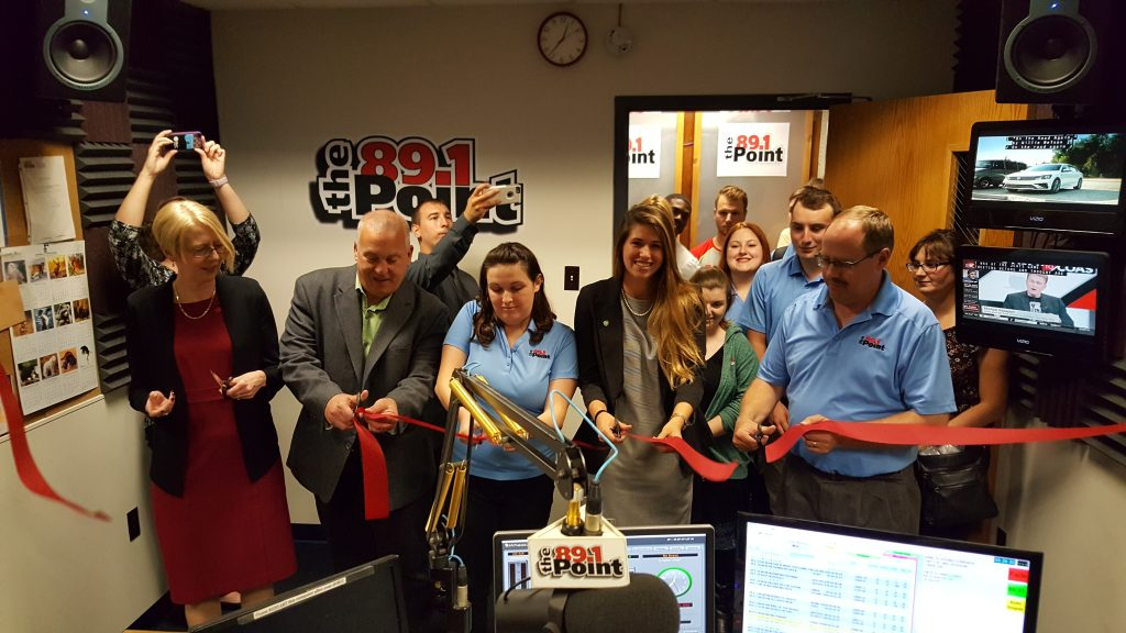 2016-ribbon-cutting